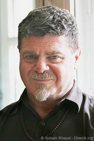 Gustavo Santaolalla - Photo - Portrait
