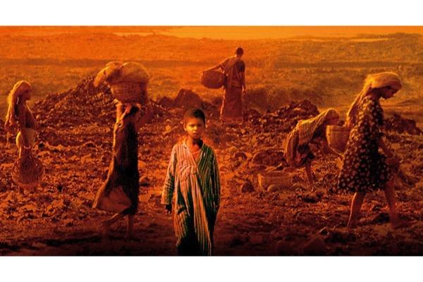 Ciné-concert Philip Glass - Godfrey Reggio autour de la trilogie constituée des films KOYAANISQATSI, POWAQQATSI et NAQOYQATSI