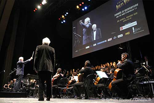 Buzz Aldrin dirige l'orchestre !