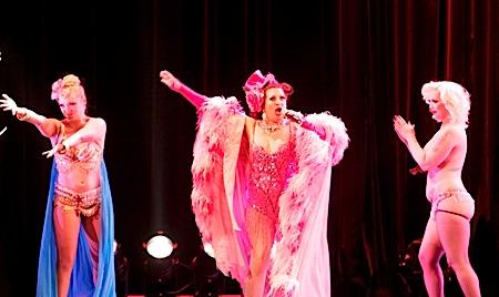 amalric,tournee, - Rencontres Henri Langlois 2010 - Soirée d'ouverture - Interview des danseuses New Burlesque du film TOURNEE